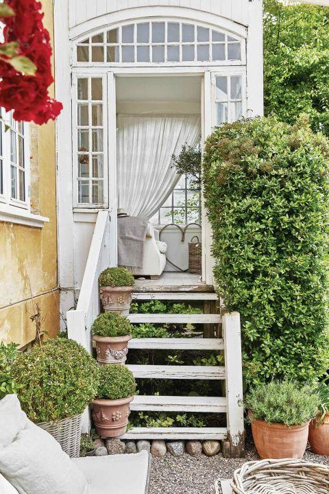 wejście do domu schody
