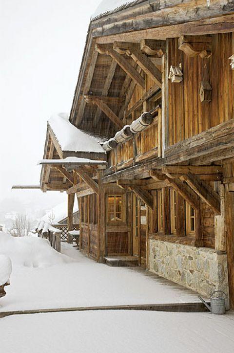 Ludowo, ale nie sztampowo. Klasycznie, ale nowocześnie. Wymarzony dom w górach.