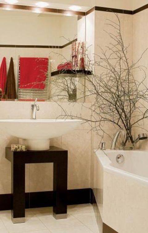 W łazience widać mocne akcenty. Apartament, który urządziły meble