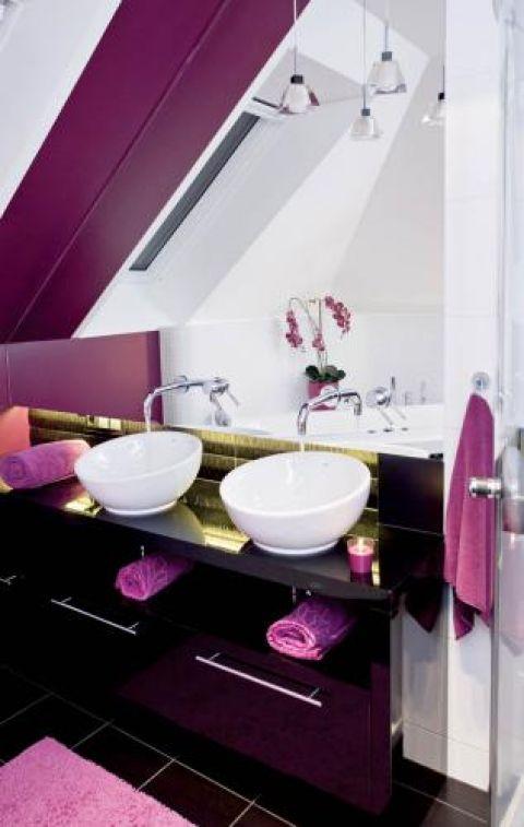 Inspirację do urządzenia łazienki Kamila znalazła w sklepie z ceramiką. Tam, na włoskiej mozaice, wypatrzyła idealny róż.