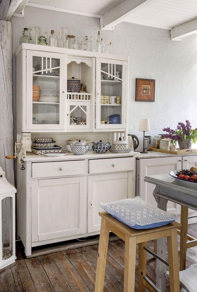meble kuchenne rustykalne białe