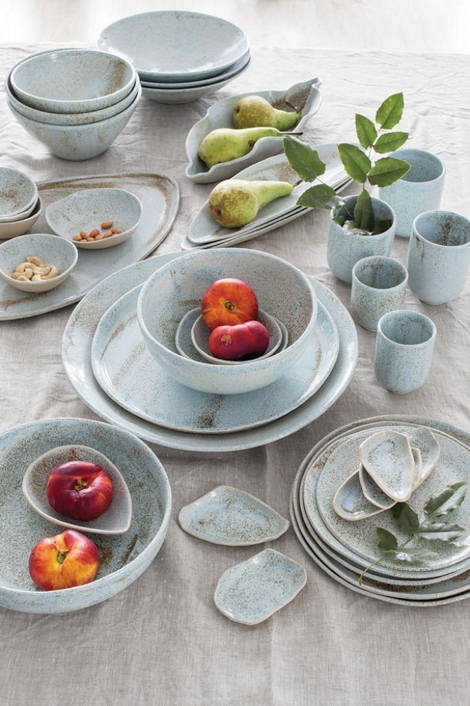 niebieska ceramika stołowa