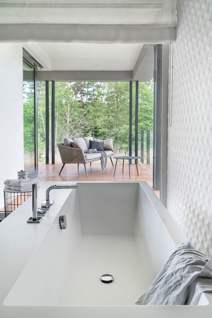 biała łazienka w stylu nowoczesnym