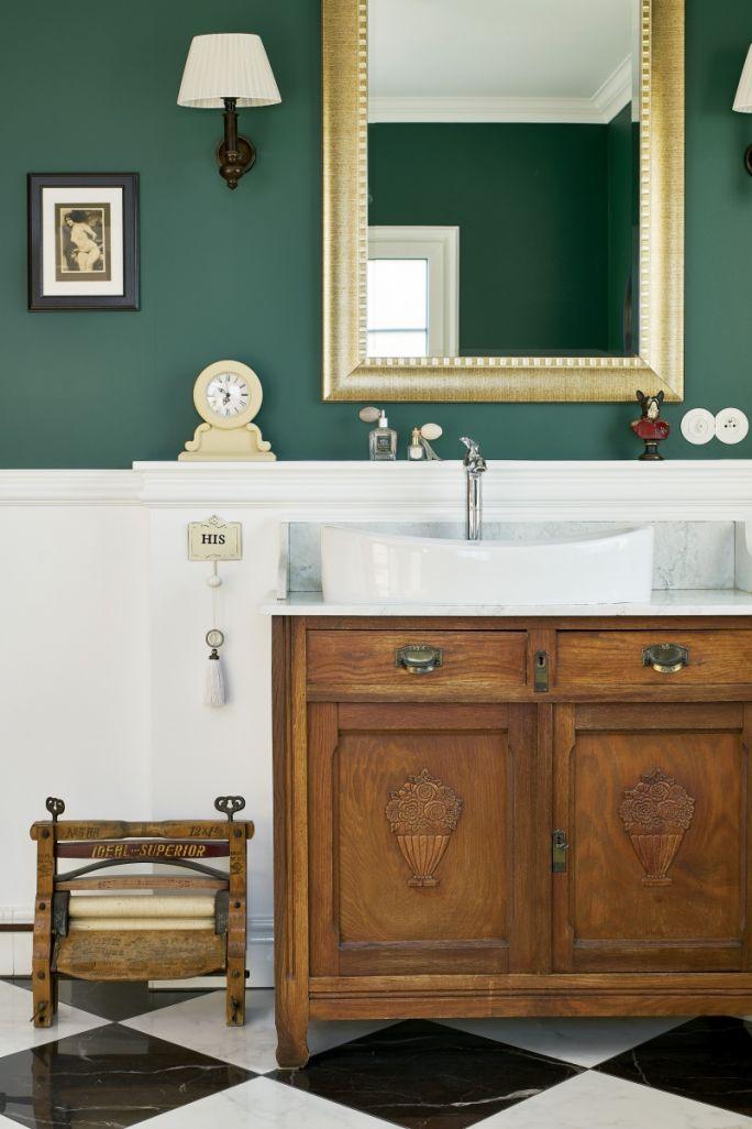 łazienka w przedwojennym stylu