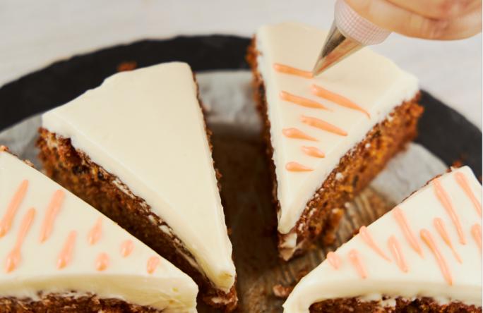 ciasto marchewkowe dekoracja