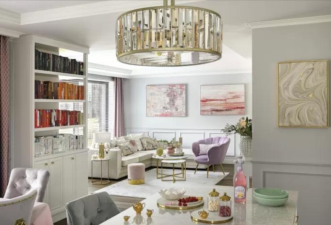 salon pudrowy róż i złoto