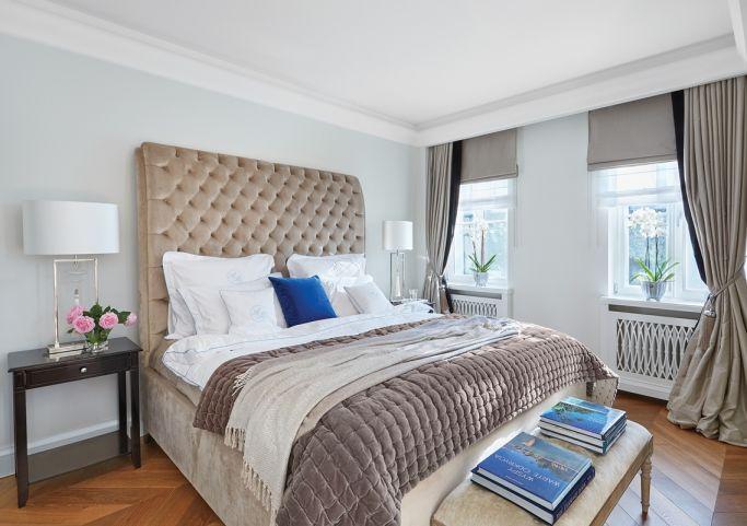 łóżkoz pikowanym zagłówkiem