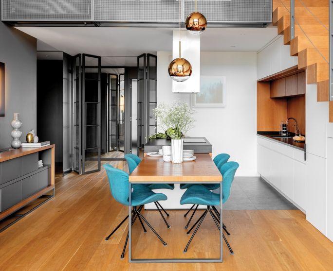 salon z jadalnią w stylu loft