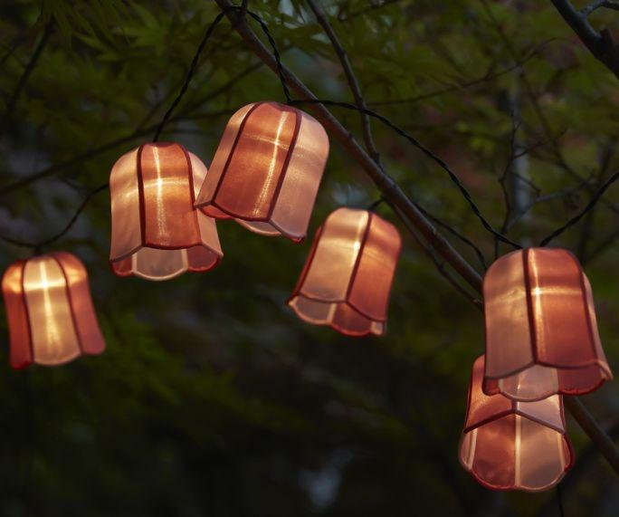 lampy wiszące na balkonie