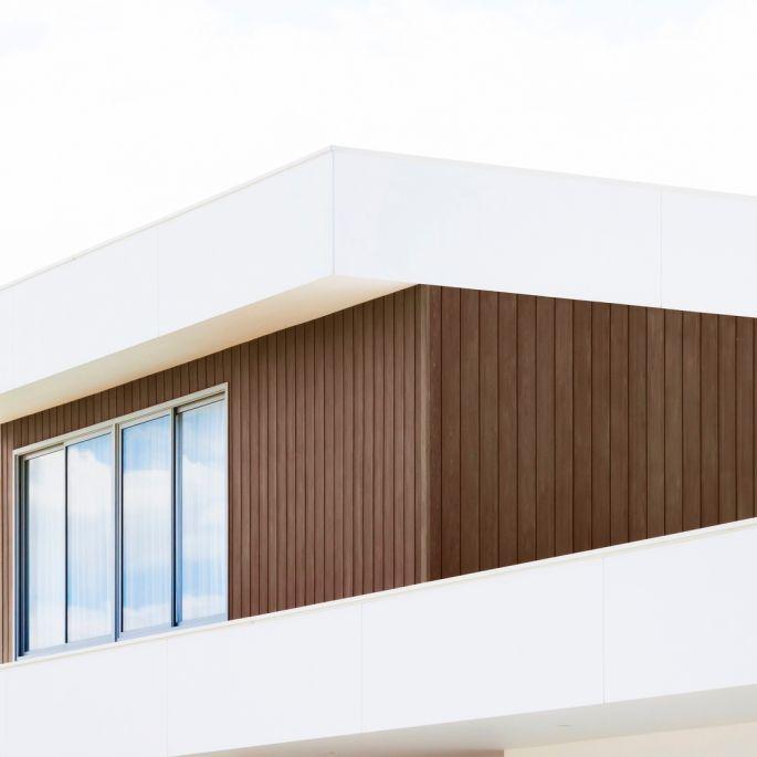 Drewniana elewacja – jakie deski elewacyjne wybrać?