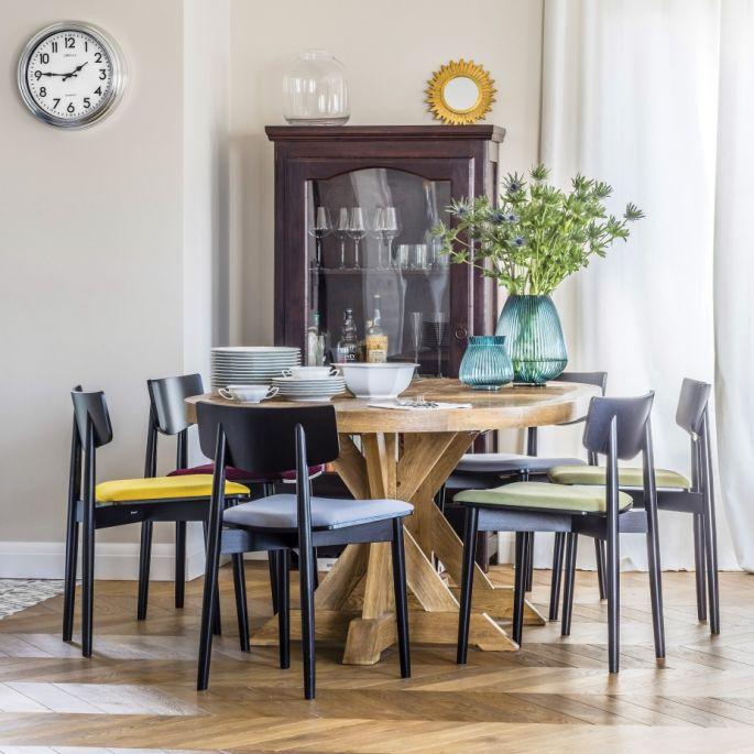 Doskonałe połączenie: francuski szyk i polskie rzemiosło w apartamencie