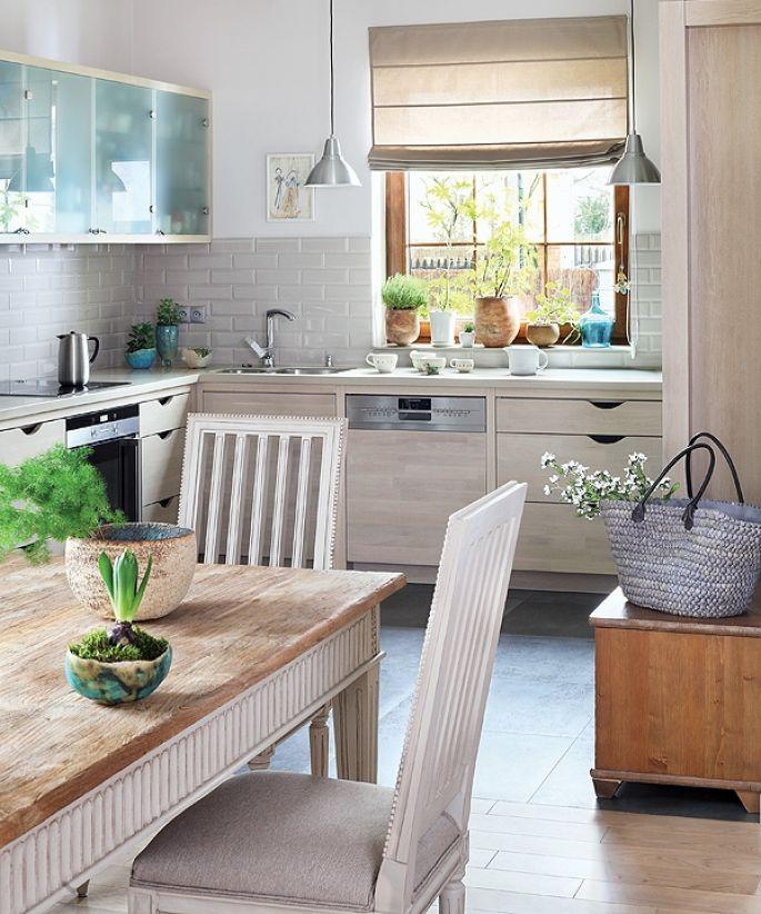 blat kuchenny pod oknem