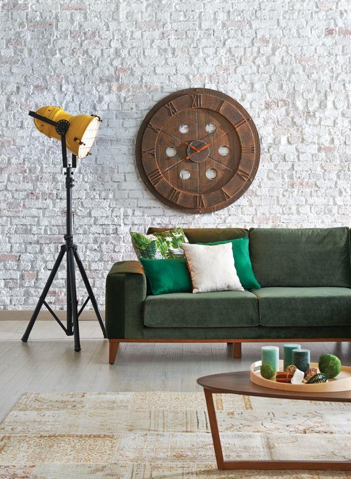 salon z białą cegłą na ścianie
