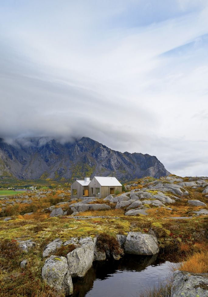drewniany dom w stylu skandynawskim
