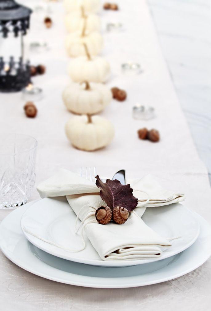 dekoracje na stół z białej dyni