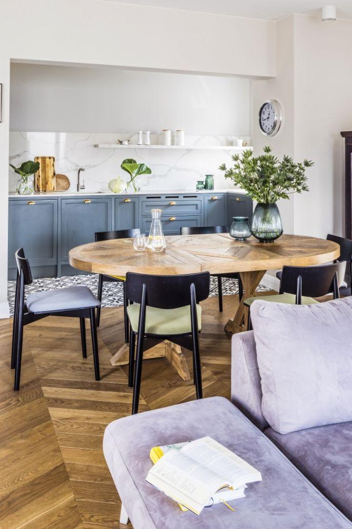 salon z kuchnią w stylu francuskim