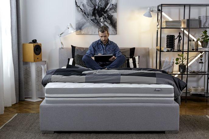 jakie łóżko do sypialni wybrać