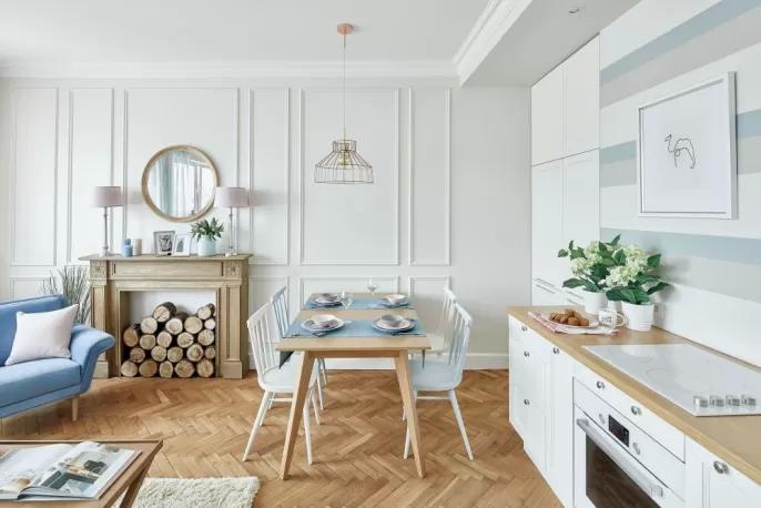 kącik jadalniany w małym mieszkaniu