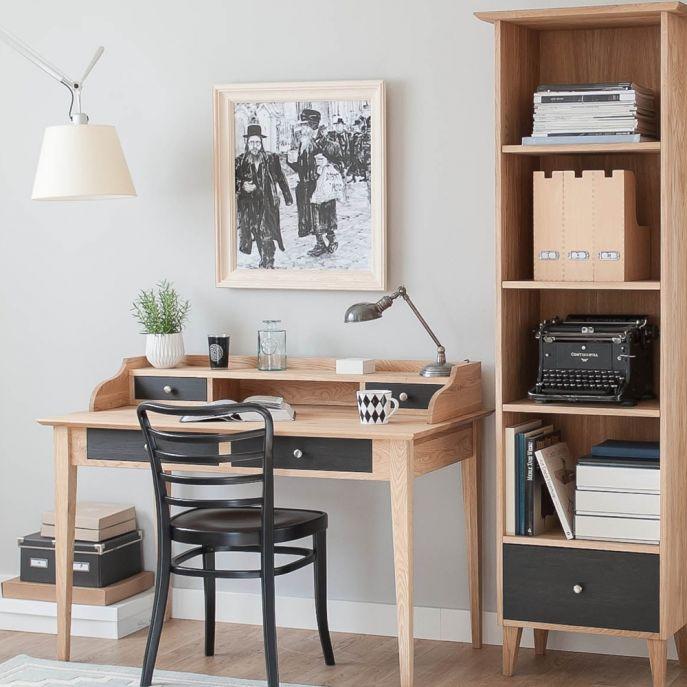 drewniane biurko