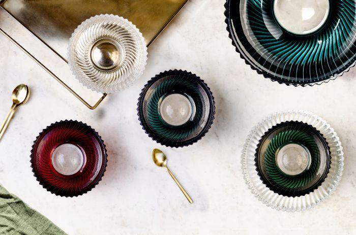 kolorowe kryształowe naczynia