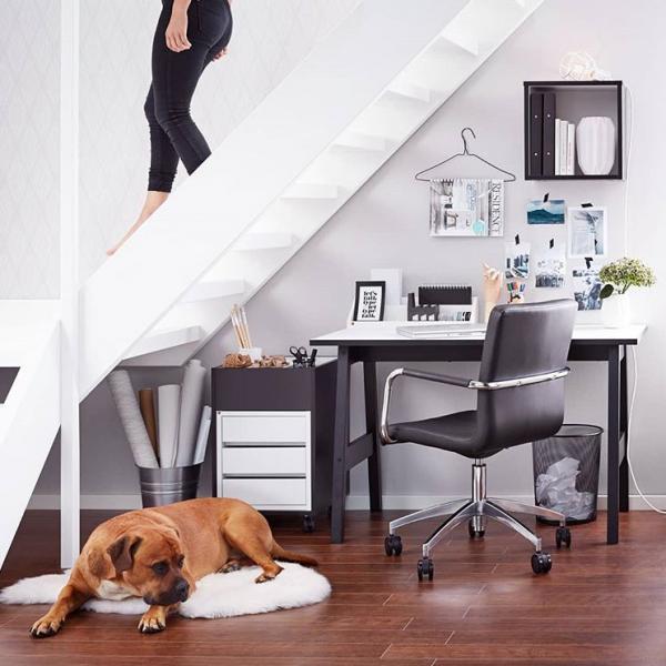 Komfortowe biuro w domu