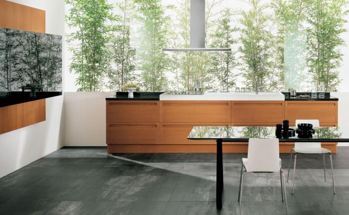 Do kompletu również szafki ścienne (stalowe, lakierowane lub szklane), które otwierają się wygodnie do góry. SNAIDERO