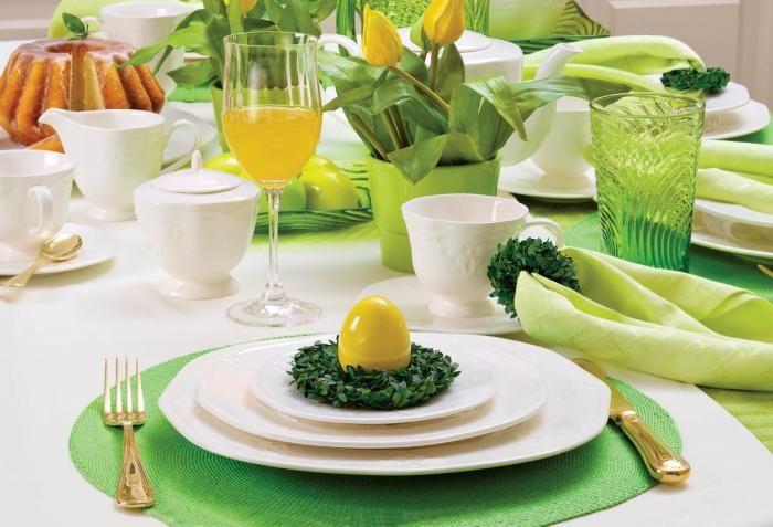 Kolekcja Retro: serwis obiadowy dla sześciu osób - 883 zł, serwis do herbaty - 647 zł. VILLA ITALIA