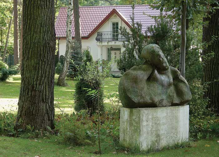 Ogród z rzeźbami Adama Myjaka
