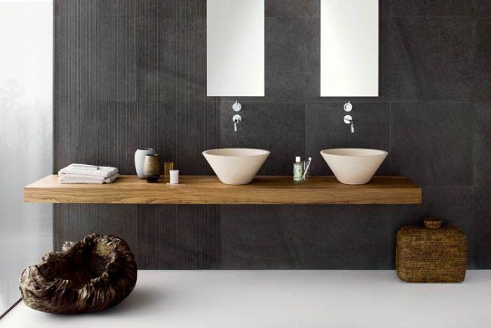 Projektanci Amborgio Nespoli i Alberto Novara lubią proste rozwiązania. Jedyny mebel w tej łazience to