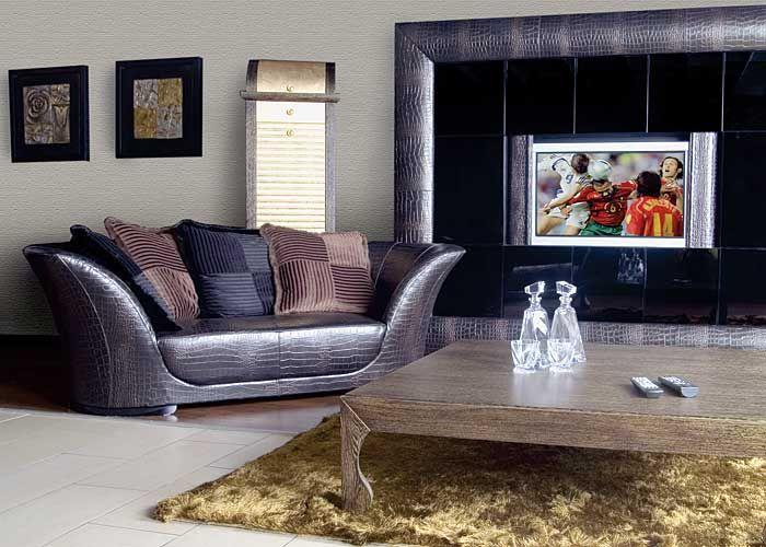 Skóra przestaje się kojarzyć z tapicerowanymi, ciężkimi krzesłami czy holenderską kanapą.