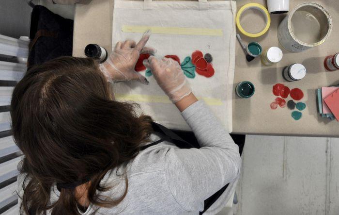 Czytelniczki Werandy na warsztatach malowania