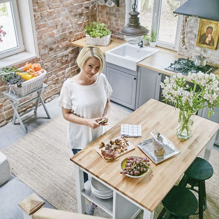 Dorota Szelągowska w swoim domu na Warmii.