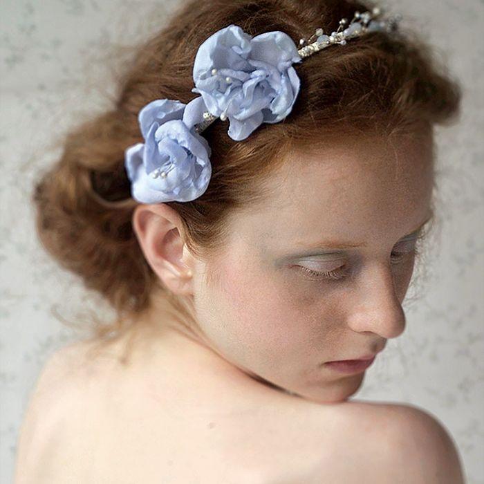 Oprócz jedwabiu Łucja Zając wybiera też koronki, tiule, czasem szlachetną bawełnę.