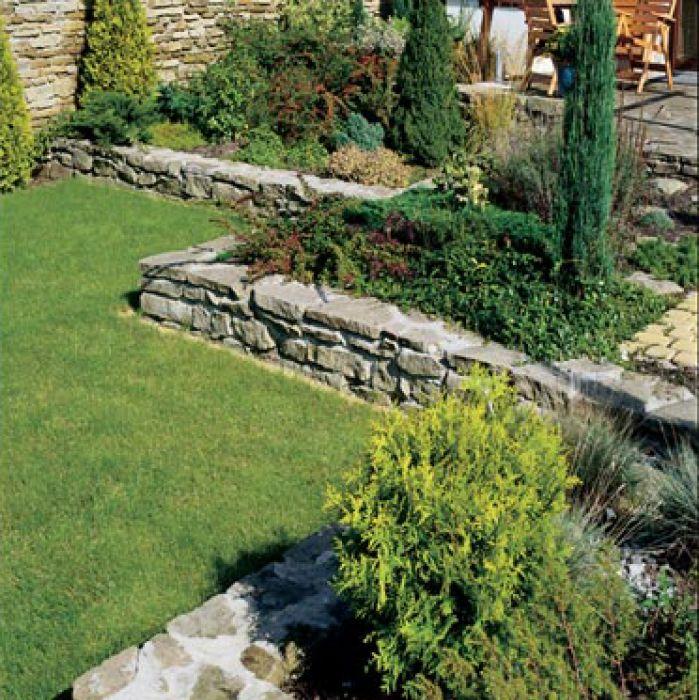 Ogród przydomowy w narożniku segmentu