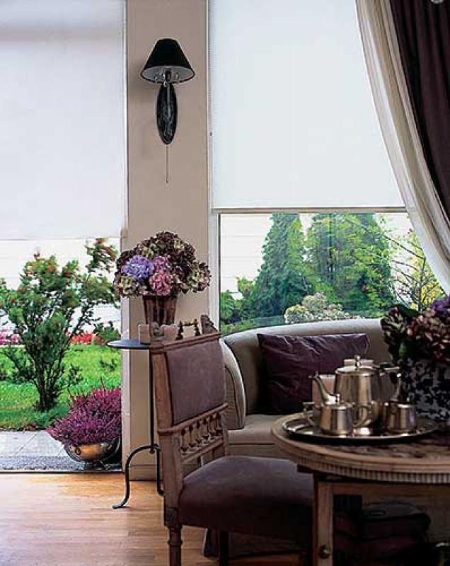 Wysokie okna dają dużo światła. Marzenia szyte na miarę