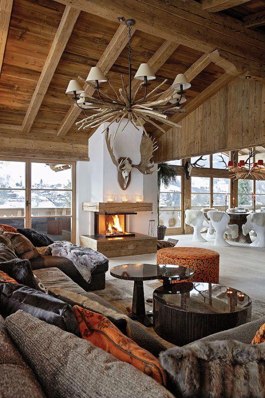 Chata w górach z meblami od projektantów