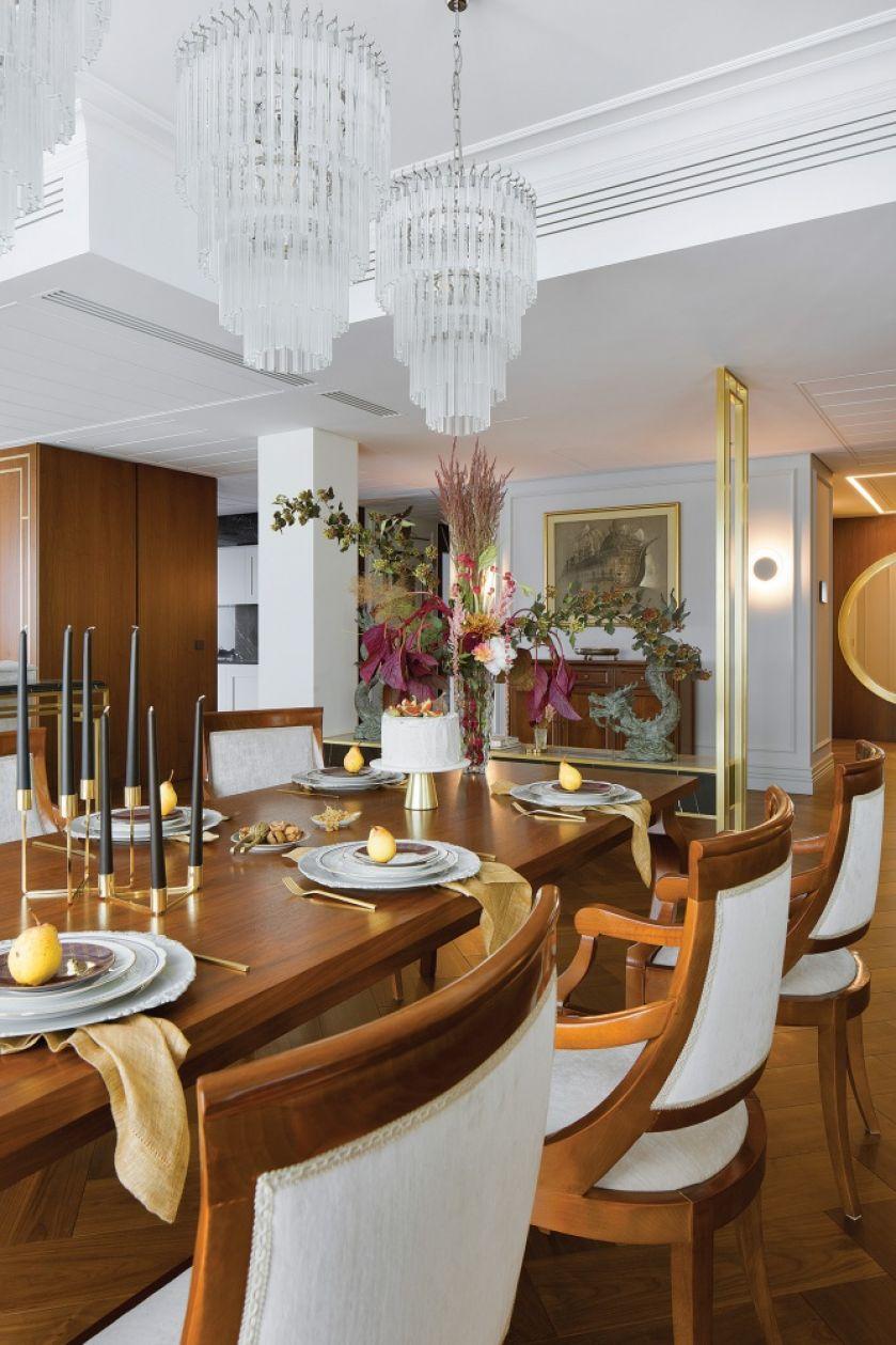 Luksusowe wnętrza: marmury, drewno i artdecowskie dekoracje