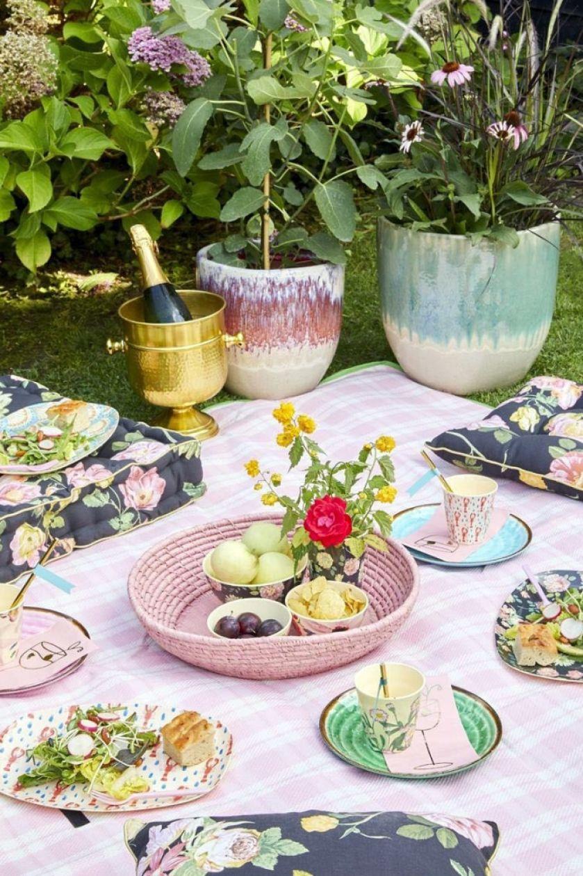 jak przygotować piknik w ogrodzie