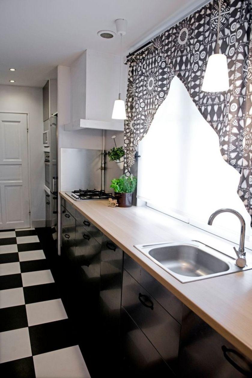 Czarno-biała szachownica i chłodne szarości stylu skandynawskiego - co wynika z takiego połączenia we wnętrzach?
