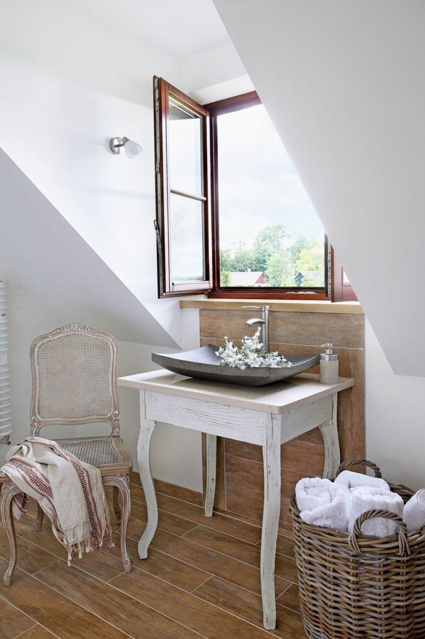 łazienka ze skosem zdjęcia