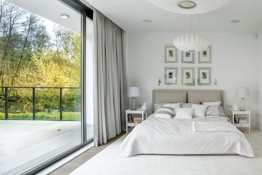 nowoczesna biała sypialnia