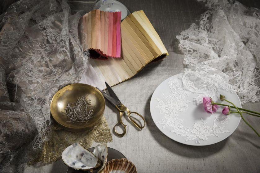 Francuskie koronki na porcelanie