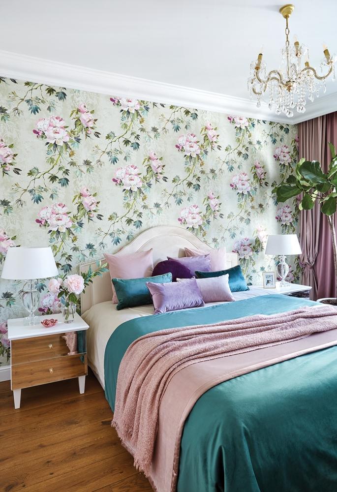 różowo-zielona sypialnia